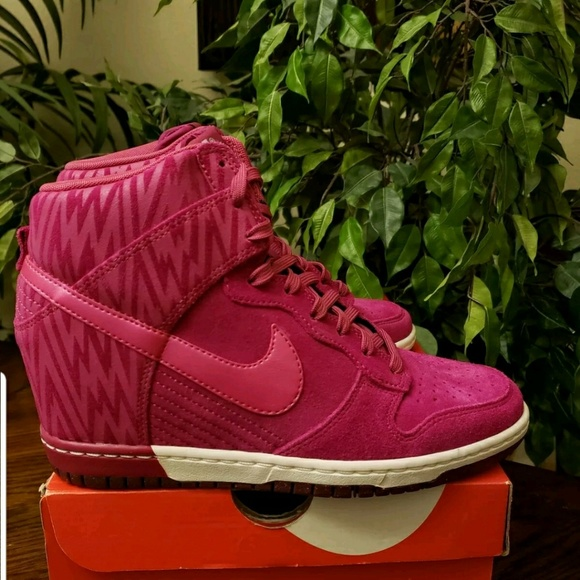 6c3becceba16 NIKE WOMEN S DUNK SKY HI PRINT WEDGE SNEAKERS